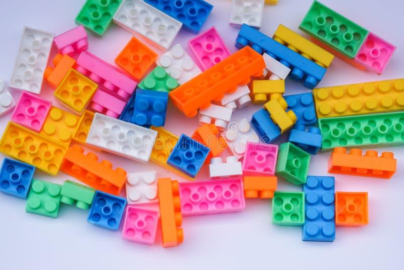 Stuk speelgoed bakstenen royalty-vrije stock afbeeldingen