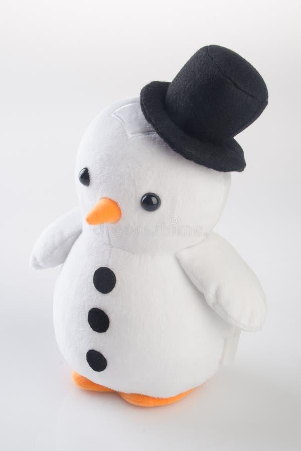 stuk speelgoed of grappige met de hand gemaakte stuk speelgoed pinguïnen op achtergrond royalty-vrije stock foto's