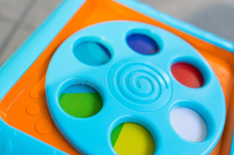 Stuk speelgoed kubus royalty-vrije stock afbeeldingen