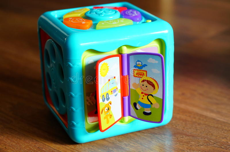 Stuk speelgoed kubus royalty-vrije stock fotografie