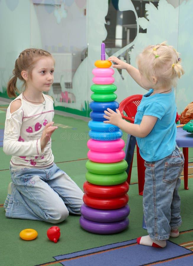 Stuk speelgoed piramid royalty-vrije stock foto