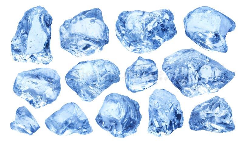 Stukken van natuurlijk die ijs op witte achtergrond worden geïsoleerd royalty-vrije stock afbeelding