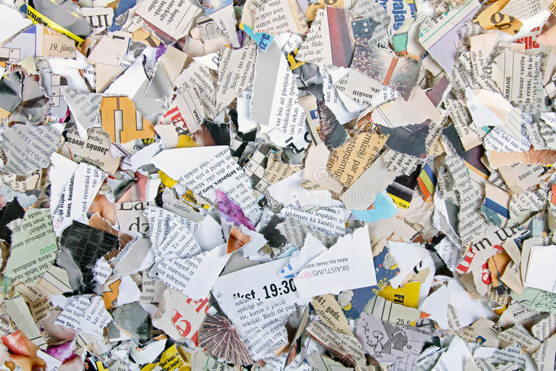 Stukken verschillende gescheurde kranten en tijdschriften royalty-vrije stock fotografie