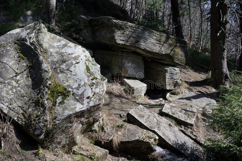 Stul de Certuv de la roca de la tabla del ` s del diablo, mlyn de Certuv del molino del ` s del diablo imágenes de archivo libres de regalías