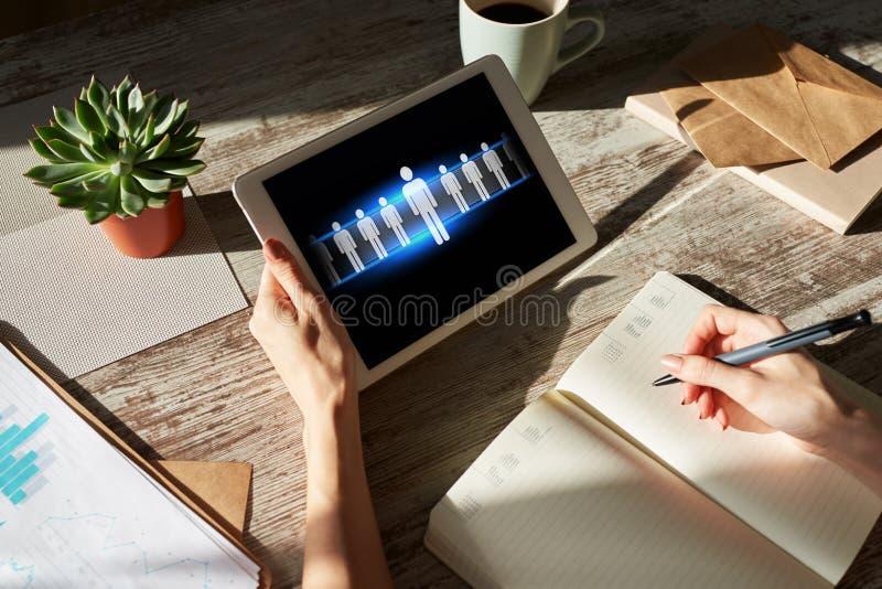 Stunde, Personalmanagement, Teamwork, Einstellungskonzept auf Gerätschirm lizenzfreie stockfotos