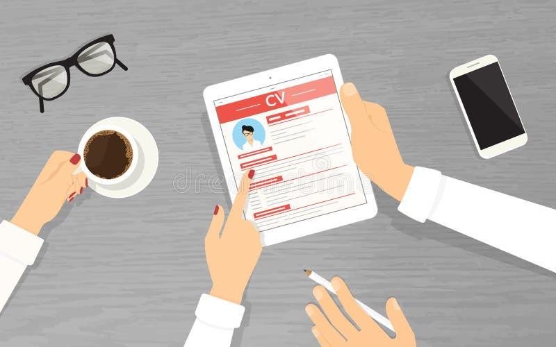 Stunden-Manager, die einen Angestellten verwendet Tabletten-PC im Büro suchen stock abbildung