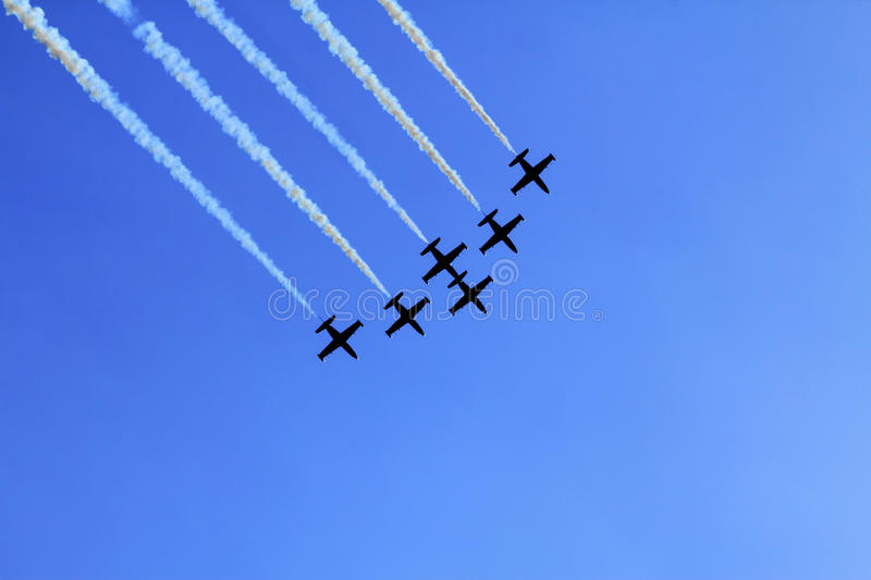 Download Stunt flying squadron stock image. Image of arrows, skywriting - 33756503