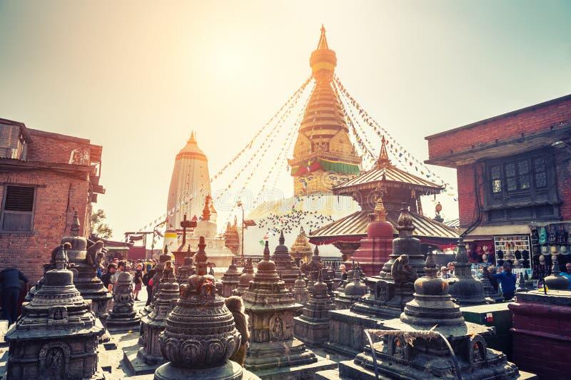 Stupa στο ναό Swayambhunath στο Κατμαντού, Νεπάλ στοκ εικόνες