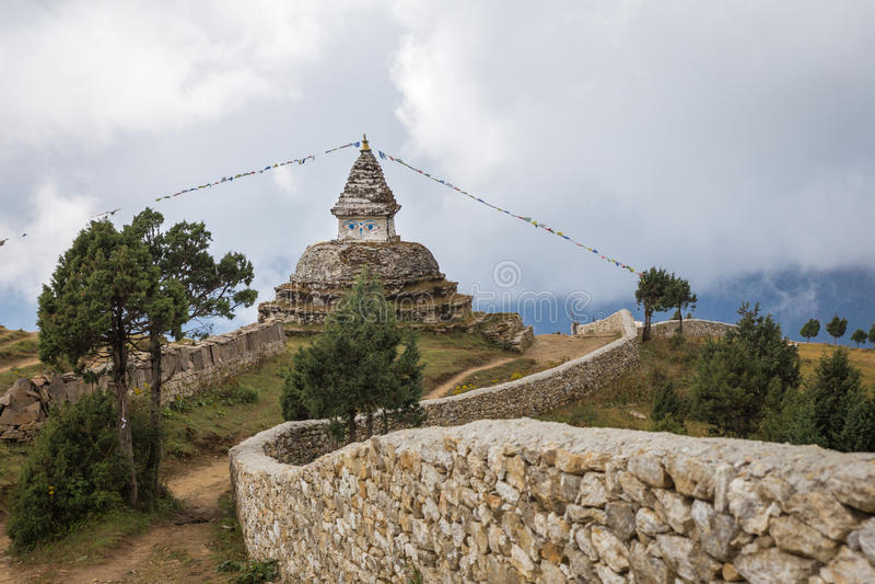 Stupa буддиста непальца стоковое изображение rf