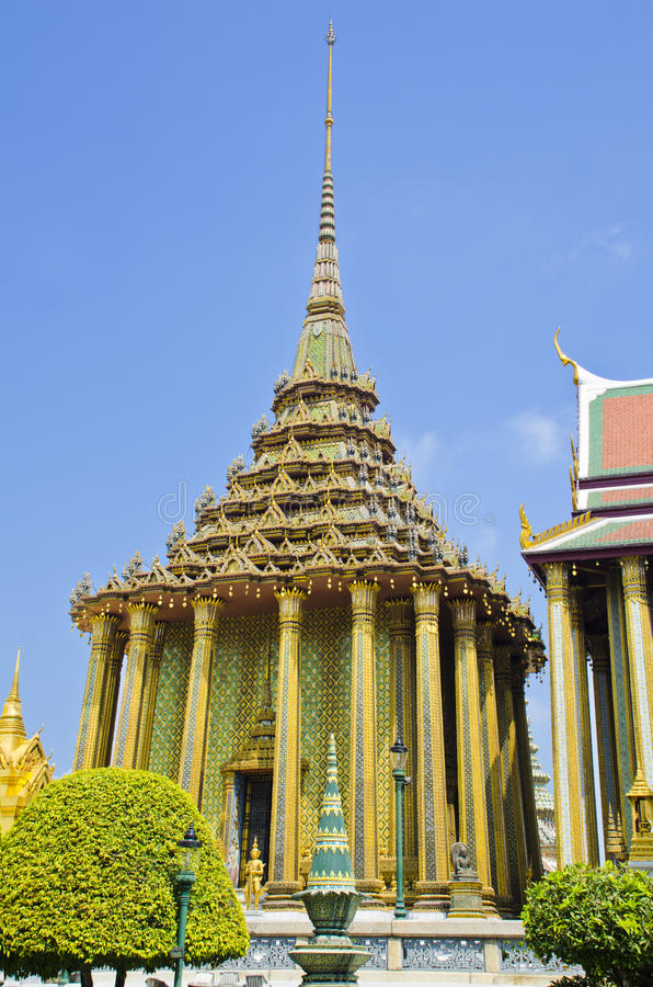 Stupa в Wat Phra Kaew стоковое изображение