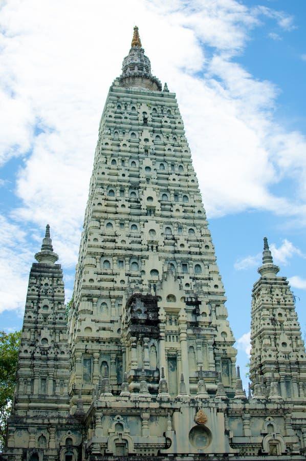 Stupa in Bodh Gaya in Tempel phayao, Thailand lizenzfreie stockbilder