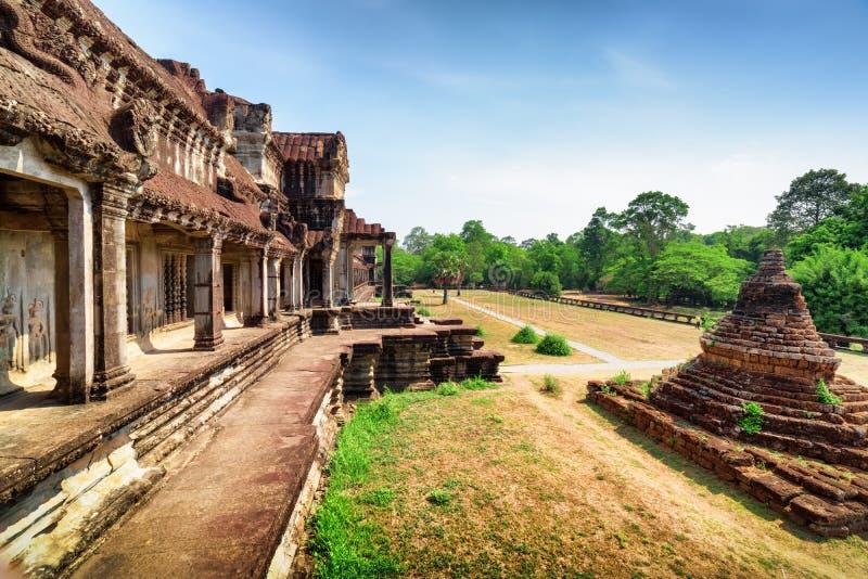 Stupa budista en el templo antiguo Angkor Wat complejo, Camboya imagenes de archivo