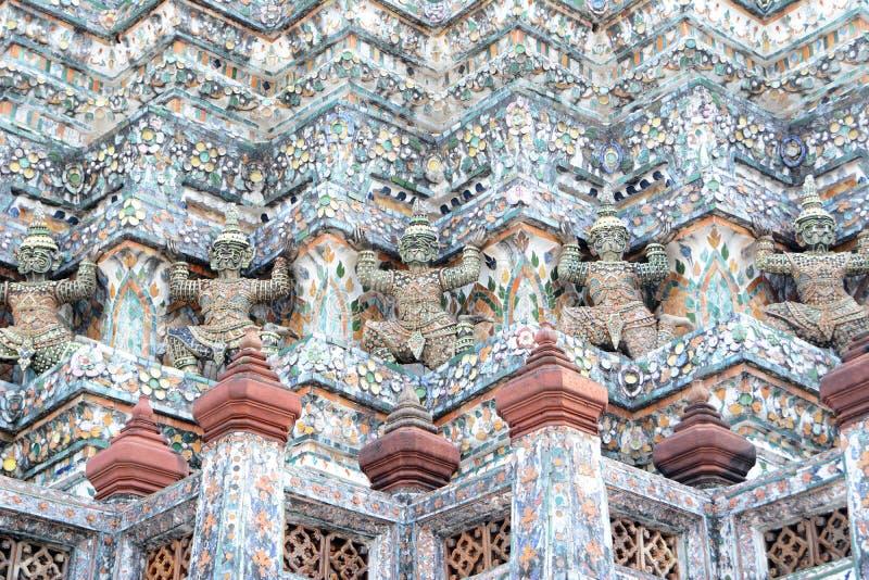 Stupa con el demonio foto de archivo