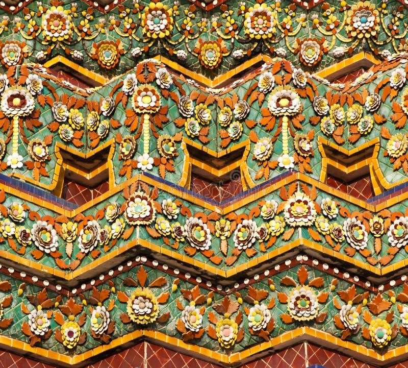 Stupa coperto di tegoli a Bangkok, Tailandia fotografia stock