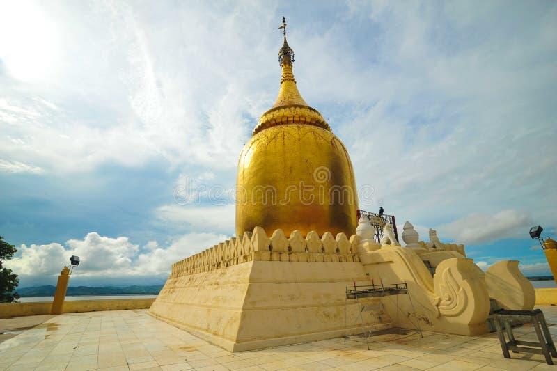Stupa d'or de pagoda de Paya de Bu images libres de droits