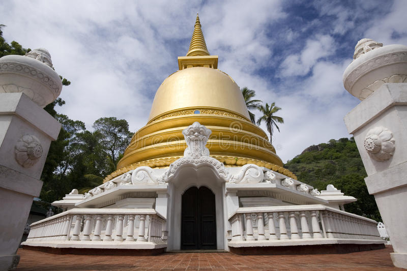 Stupa - Dambulla - lo Sri Lanka dorati fotografie stock libere da diritti