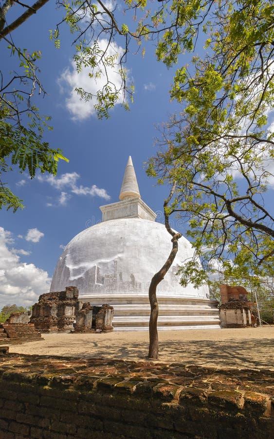 Stupa de Kiri Vihara en Polonnaruwa, Sri Lanka foto de archivo