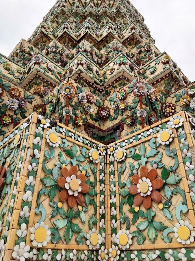 Stupa de mosaïque chez Wat Pho, temple en Thaïlande photographie stock libre de droits