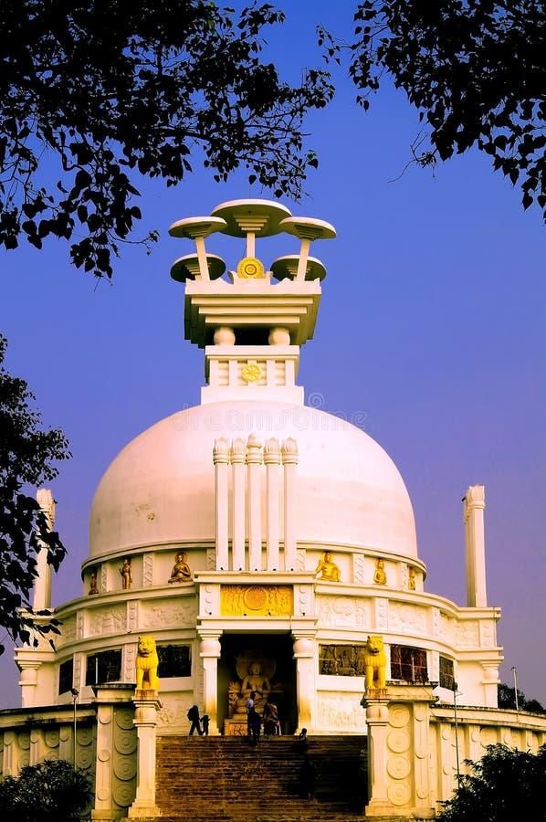 Stupa de Shanti: pagode da paz dedicado ao senhor Buda imagens de stock royalty free