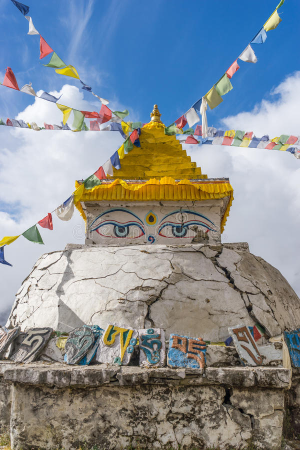 Stupa del bazar di Namche, regione di Everest fotografie stock libere da diritti
