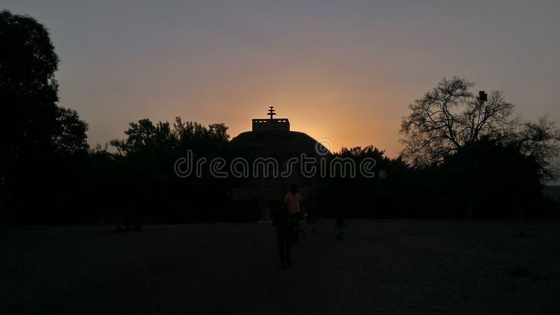 Stupa di Sanchi durante il tramonto fotografia stock libera da diritti