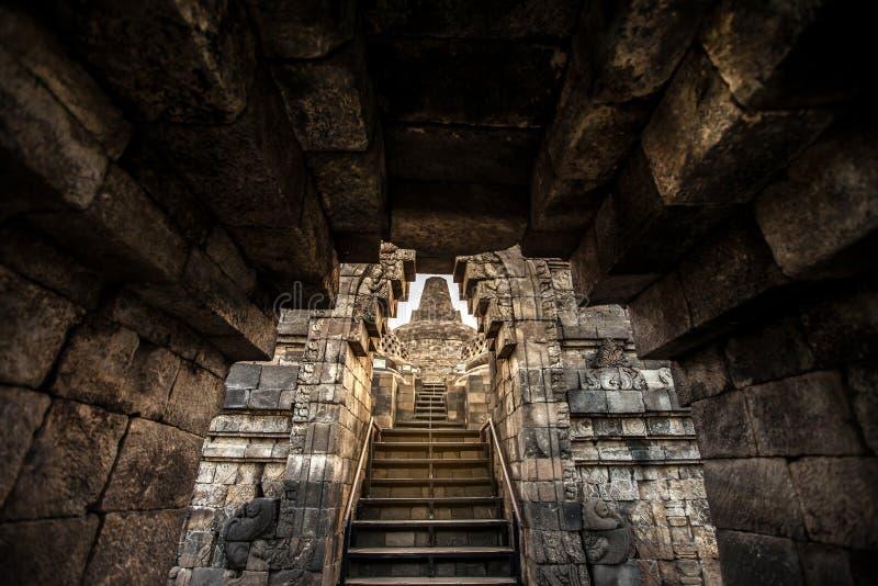Stupa en Borobudur, templo budista antiguo cerca de Yogyakarta, Jav fotos de archivo