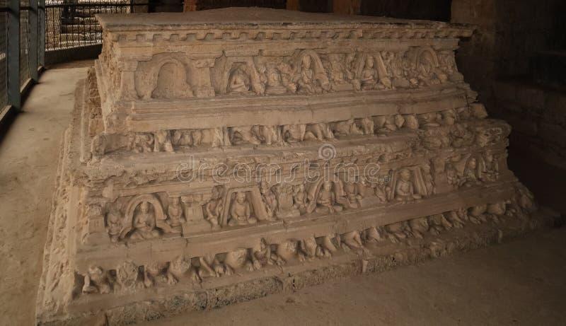 Stupa en Jaulian arruin? el monasterio budista, Haripur, Paquist?n Un sitio del patrimonio mundial de la UNESCO foto de archivo
