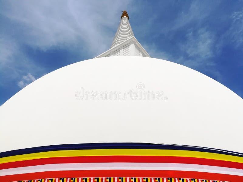 Stupa et ciel photographie stock libre de droits