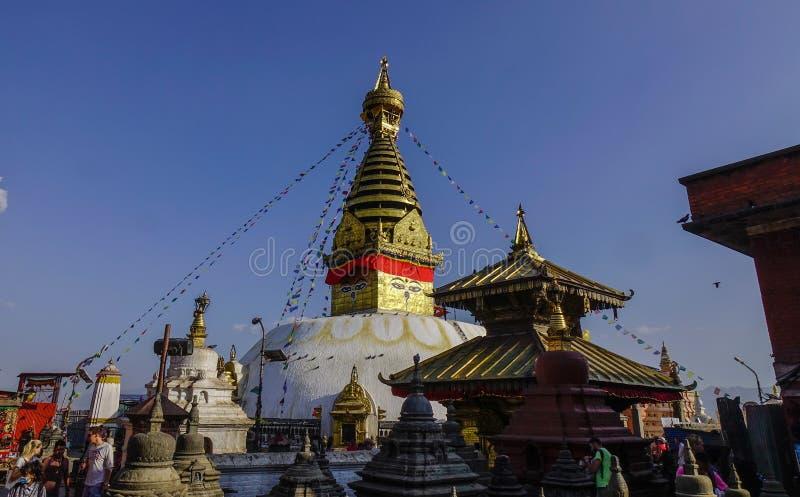 Stupa grande en el templo de Swayambhunath fotografía de archivo libre de regalías
