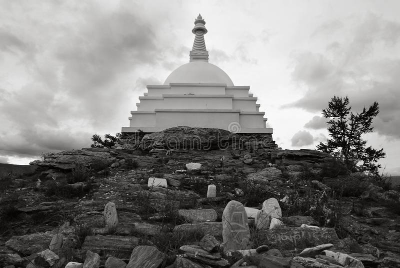 Stupa insikter på Lake Baikal royaltyfri fotografi
