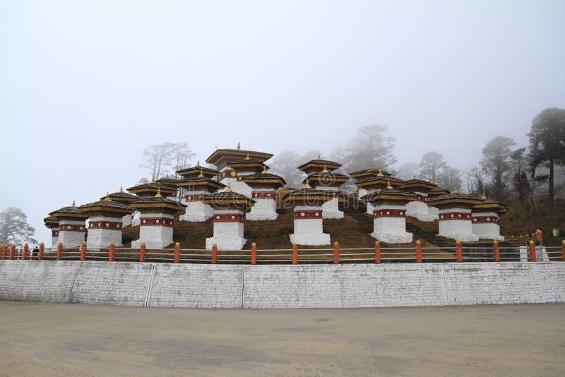 108 stupa na Dochula przepustce obrazy royalty free