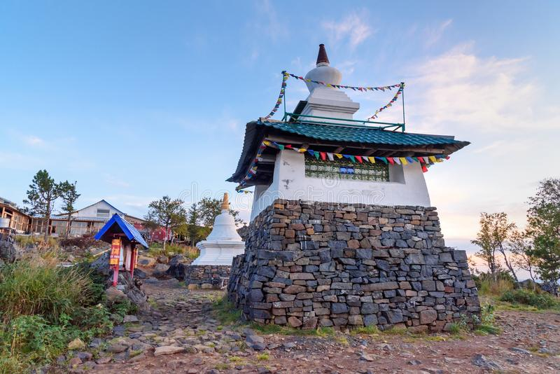 Stupa in Shad Tchup Ling Buddhist-klooster op berg Kachkanar Rusland royalty-vrije stock foto