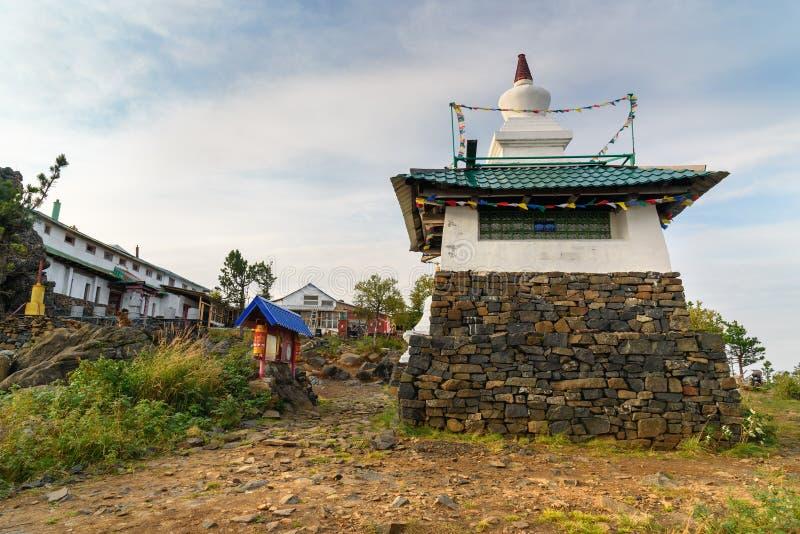 Stupa in Shad Tchup Ling Buddhist-klooster op berg Kachkanar Rusland royalty-vrije stock afbeelding