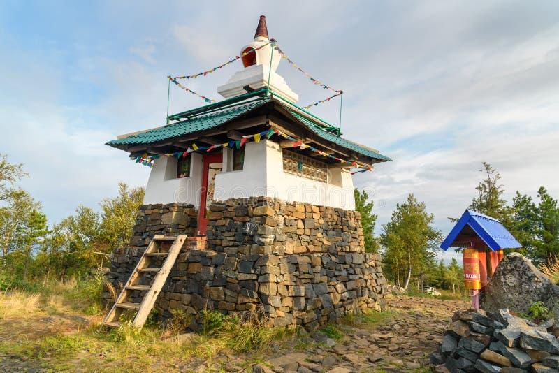 Stupa in Shad Tchup Ling Buddhist-klooster op berg Kachkanar Rusland royalty-vrije stock foto's