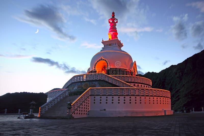 stupa shanti της Ινδίας ladakh leh στοκ εικόνες