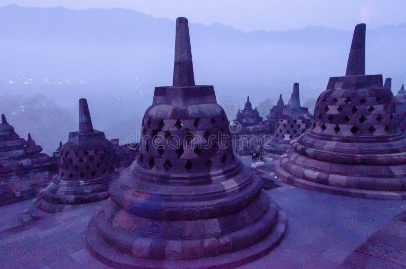 Stupas a Borobudur a Yogyakarta, Indonesia fotografia stock