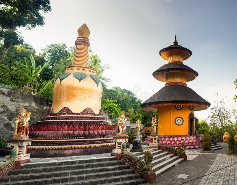 Stupas buddisti in tempio di Borobudur, Magelang, Java centrale, Indonesia fotografie stock