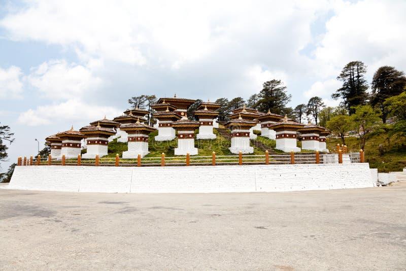 Stupas de Dochula fotografia de stock royalty free