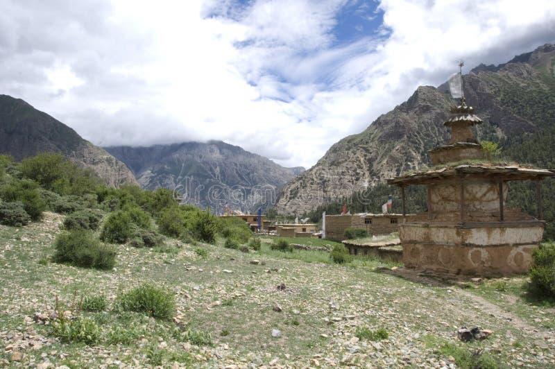 Stupas Dolpo Непала стоковое изображение rf