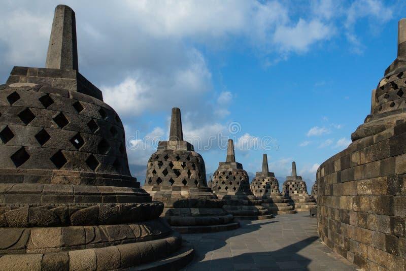 Stupas no templo de Borobudur imagens de stock