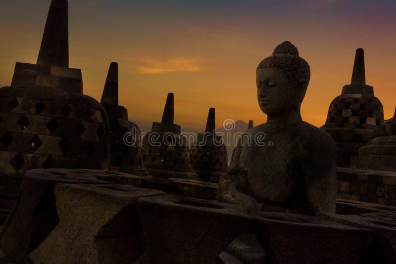 Stupas no templo de Borobudur fotos de stock royalty free
