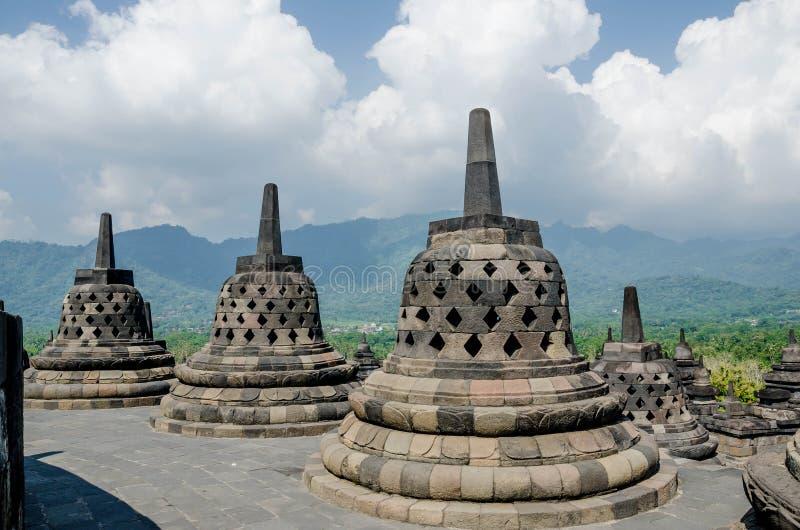 Stupas in tempio di Borobudur, Java centrale, Yogyakarta, Indonesia fotografia stock libera da diritti