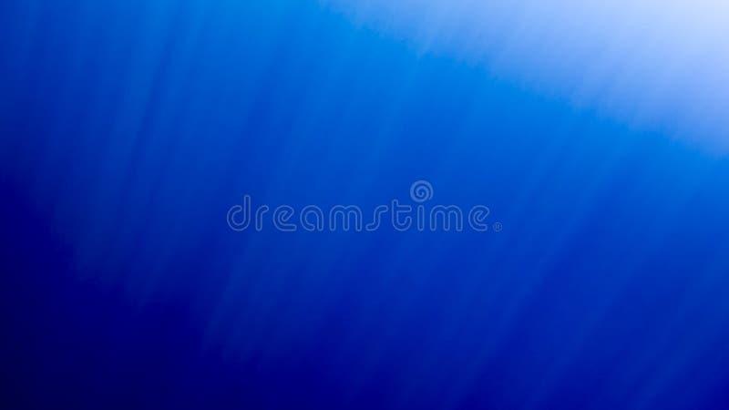 Stupefacente nell'ambito dell'immagine dell'acqua dei pesci di nuoto e dei raggi brillanti del sole in tutto la superficie dell'a fotografia stock libera da diritti