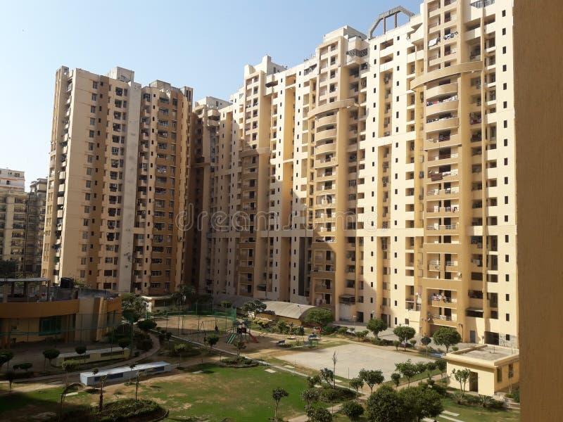 Stupore di Nuova Delhi della città del gaziabad dell'impresa edile immagini stock