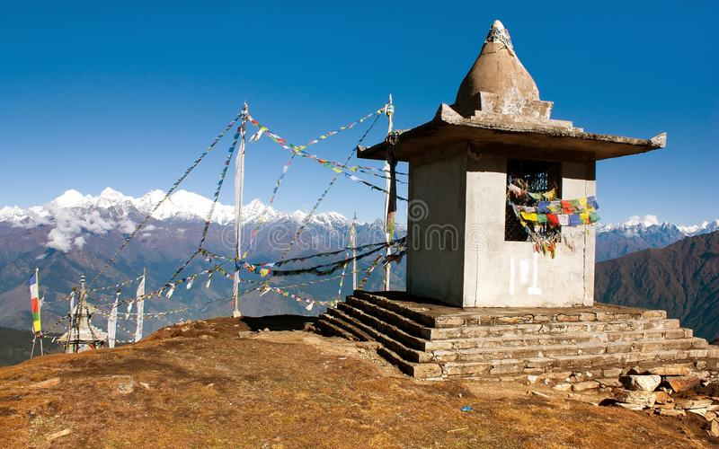 Stupy i modlitwy flaga - Nepal fotografia stock
