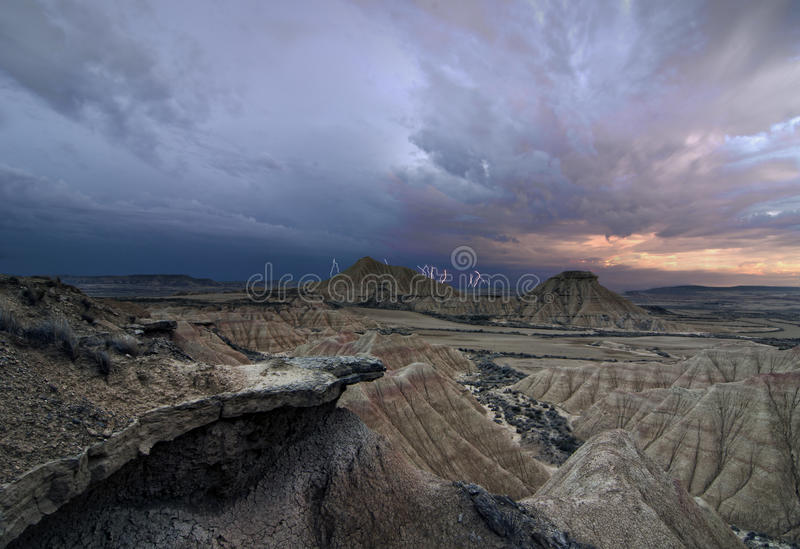 Download Sturm über der Wüste stockfoto. Bild von cloudscape, nave - 27727572