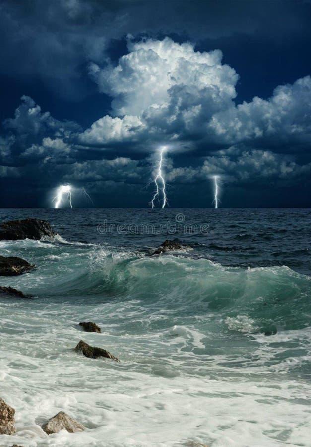Sturm über Meer