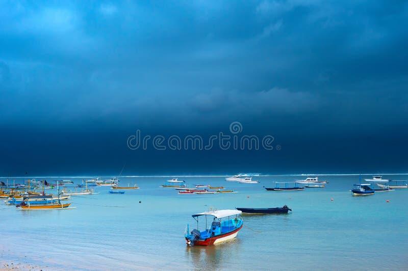 Sturm auf Bali-Insel, Indonesien lizenzfreie stockbilder