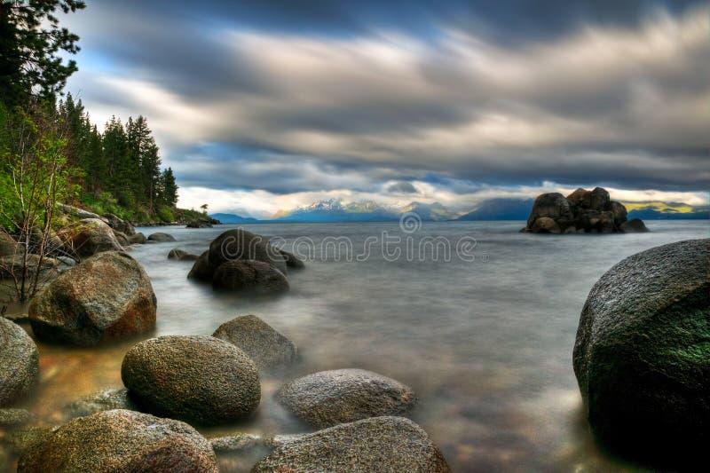 Sturm auf Lake Tahoe lizenzfreies stockfoto
