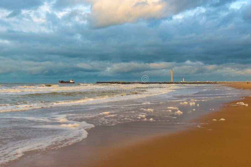 Sturm auf Ostende-Strand, Belgien stockfoto